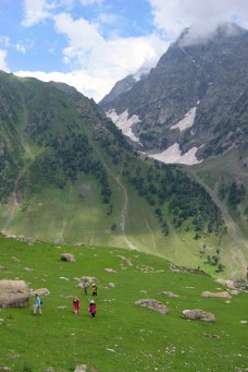 Mountain view while trekking in Kashmir